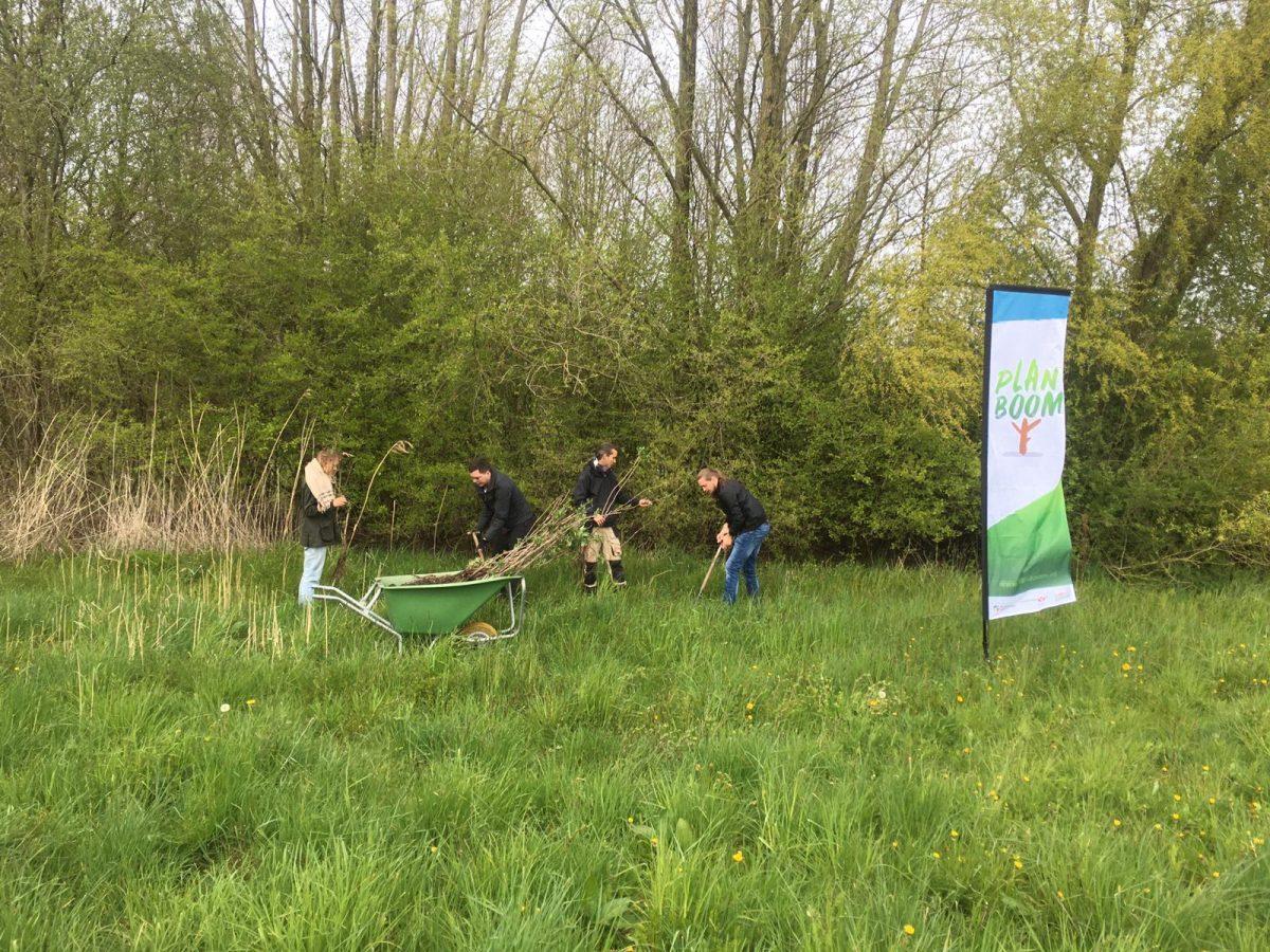 Groot landgoed Roggebotstaete in Flevoland plant 600 boompjes